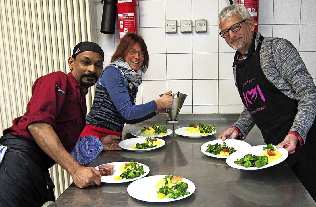 Voller Einsatz in der Küche    Foto: Privat