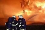 Fotos: Feuerwehr-Großeinsatz beim Brand einer Zimmerei