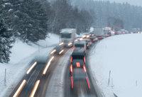 Querstehender Lkw geborgen – Höllentalstrecke wieder weitgehend frei