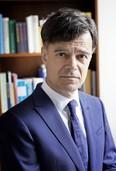 Freiburger Mediziner mahnt, ethische Werte in der Behandlung von Kranken wieder in den Vordergrund zu stellen