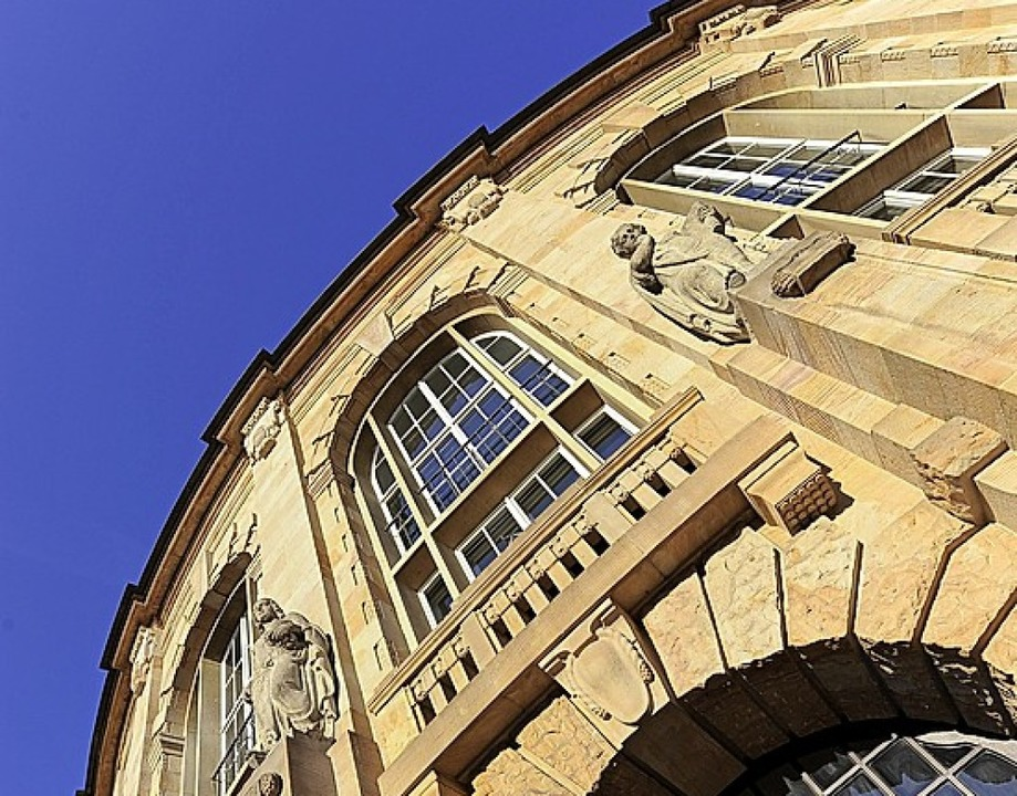 Außenfassade Theater Freiburg     Foto: Ingo Schneider
