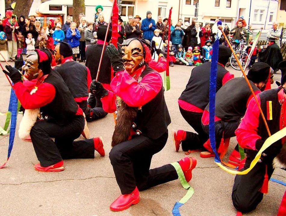 Der traditionelle Bändeltanz der Lalli...smal am Sonntag, 3.März, statt.  | Foto: Hans Sigmund
