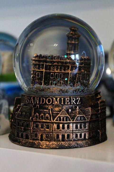 … Sandomierz. Aus jedem Urlaub bringt Hauke eine Kugel mit.  | Foto: Joshua Kocher