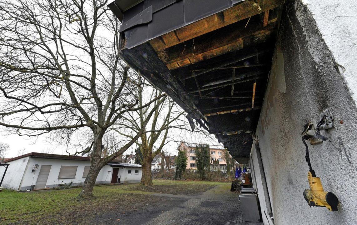 An Verkaufsständen, die vor der Ausste...seinen Anfang. Links das Vereinsheim.   | Foto: Thomas Kunz