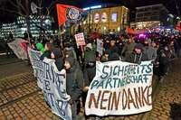 Mehr als 600 Menschen demonstrieren in Freiburg friedlich gegen Polizeigesetze