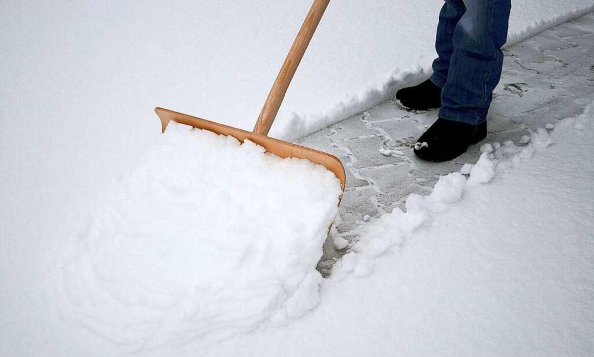 Die Kosten für den Winterdienst können von der Steuer abgesetzt werden.  | Foto: fotolia.com/momanuma