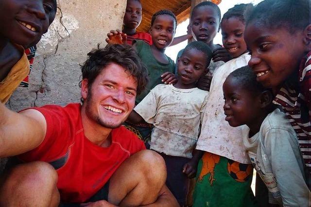 Anselm Pahnke ist durch Afrika geradelt und stellt seinen Film in Freiburg vor