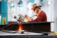 Die Wirtschaft schwächelt, die Beschäftigung wächst weiter