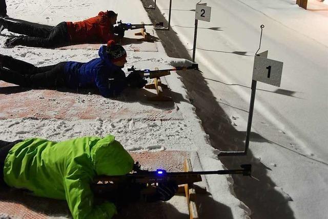BZ-Leser üben Biathlon in der Nordic-Arena Notschrei