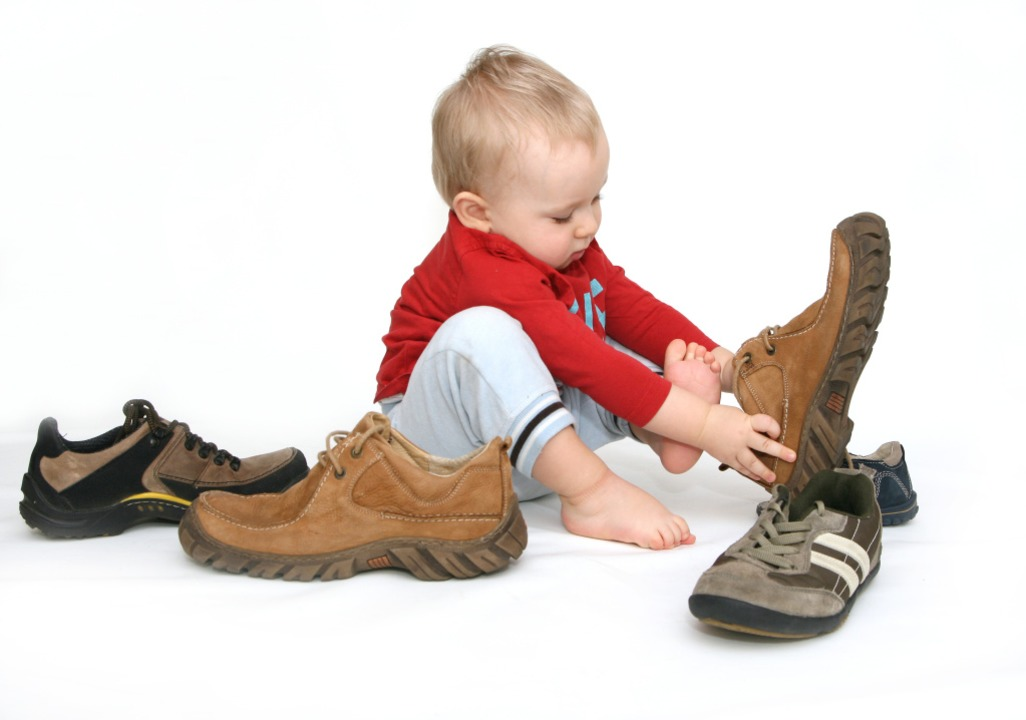 Seine Schuhe hatte sich der Dreijährig...ergarten nicht angezogen. (Symbolbild)  | Foto: Joanna Zielinska - stock.adobe.com