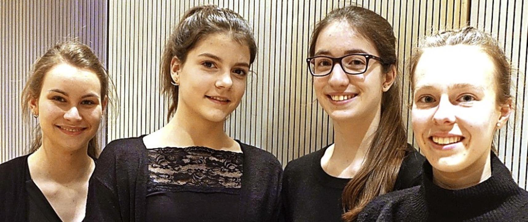 Sophia Eckert, Thea Sochor, Lena Berne... Berliner Philharmoniker zu besuchen.   | Foto: Frey