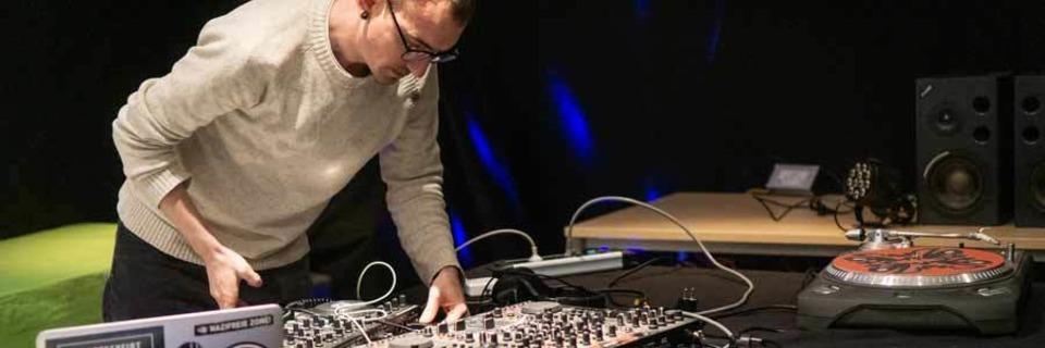 So versucht der Verein Bretterbude, elektronische Musikkultur abseits des Mainstreams zu fördern