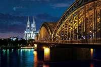 Erleben Sie Phil Collins in Köln als VIP und genießen Sie bei dieser BZ-Leserreise eine musikalische Stadtrundfahrt und eine Schifffahrt!