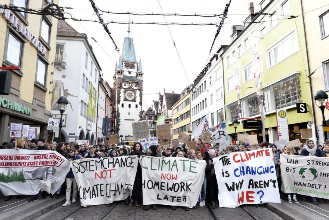 3500 Schülerinnen und Schüler  setzen ...n – für Klima- und Umweltschutz.  | Foto: Thomas Kunz