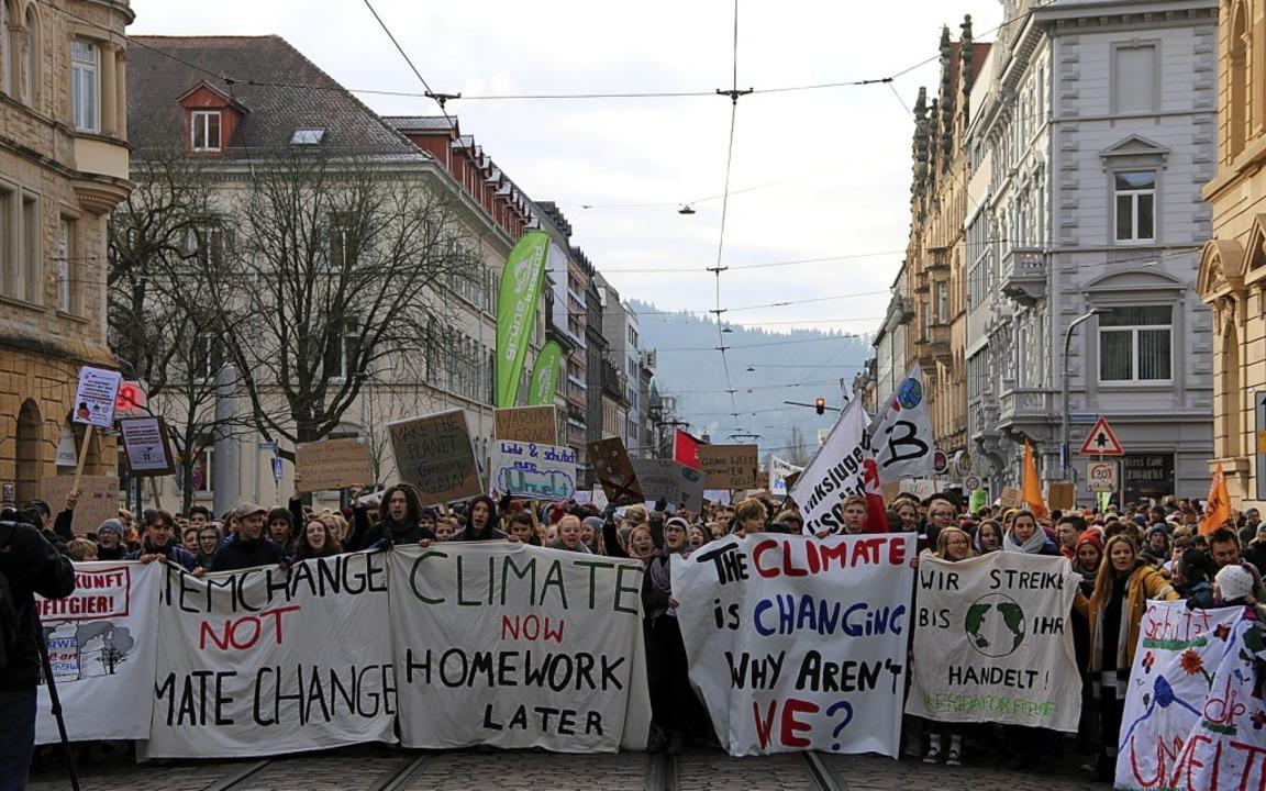 Gestreikt wurde in Freiburg, genauso wie in 50 weiteren deutschen Städten.   | Foto:  Lisa Pedrich