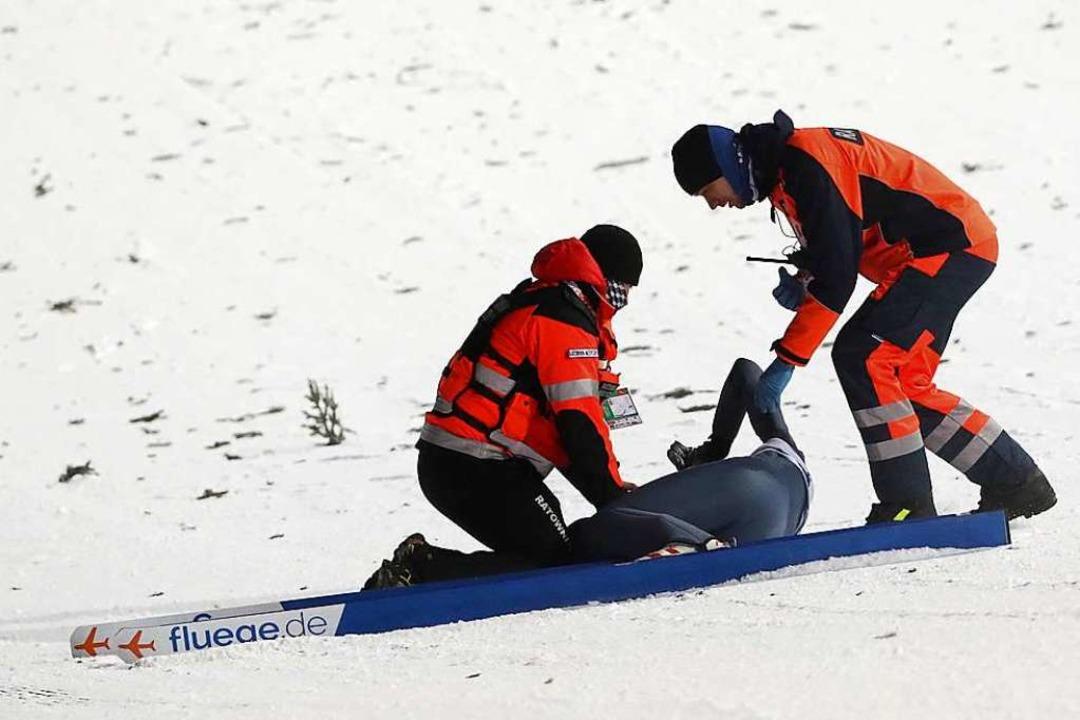 Die Helfer sind sofort zur Stelle.  | Foto: dpa
