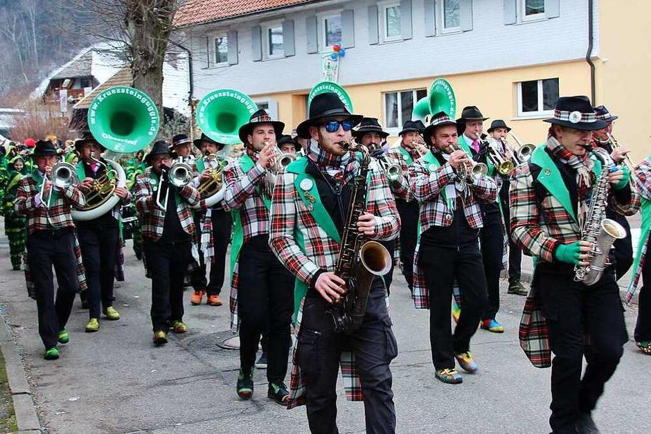 Sorgten für den musikalischen Auftakt des Umzugs: die Krüzsteinguggis. (Foto: Mario Schöneberg)