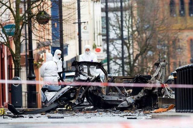 Nach Autobombenanschlag in Nordirland: Verdacht gegen Neue IRA