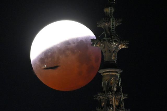 Totale Mondfinsternis: Blutmond vielerorts gut sichtbar
