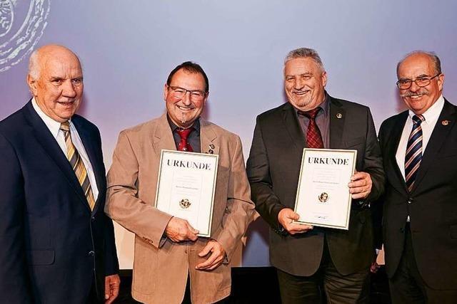 Der ADAC Südbaden ehrt Mitglieder mit der Ewald-Kroth-Medaille in Gold