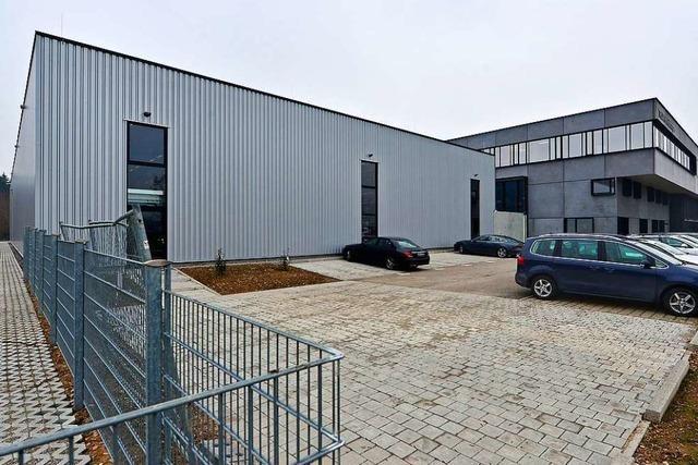 Firma Hüttinger nimmt neues Logistikzentrum in Freiburg in Betrieb