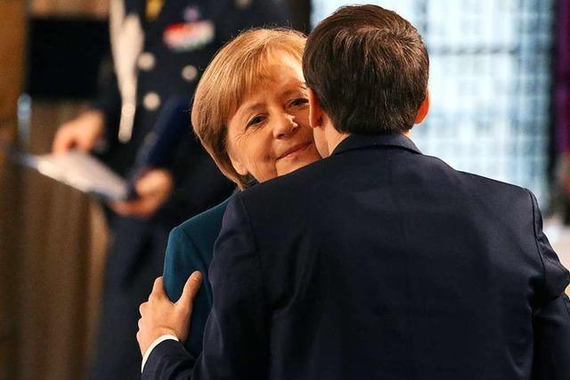 Merkel und Macron unterzeichnen neuen deutsch-französischen Freundschaftsvertrag