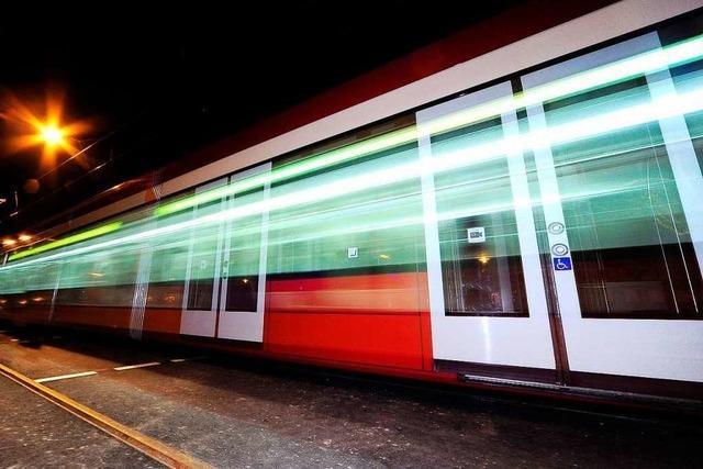 Mann soll Jugendlichen in der Tram sexuell belästigt haben