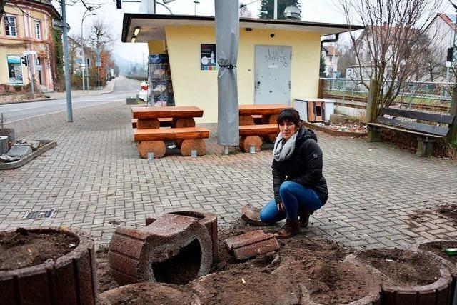 Vandalismus am Bahnhofskiosk in Steinen – Pächterin ratlos