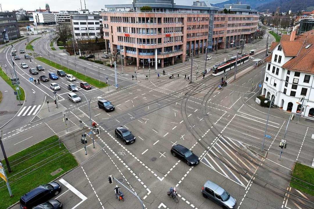 Der Unfall geschah am frühen Samstagmo...n-Stephan-/Basler Straße (Archivbild).  | Foto: Thomas Kunz