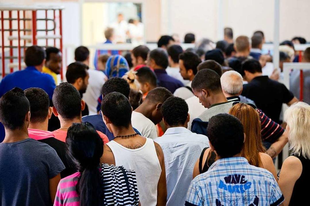 Es kommen weniger Flüchtlinge nach Deutschland.  | Foto: dpa