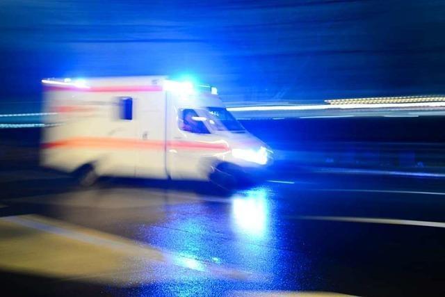 DRK erstattet Anzeige gegen Fahrer, der Rettungswagen behindert hat