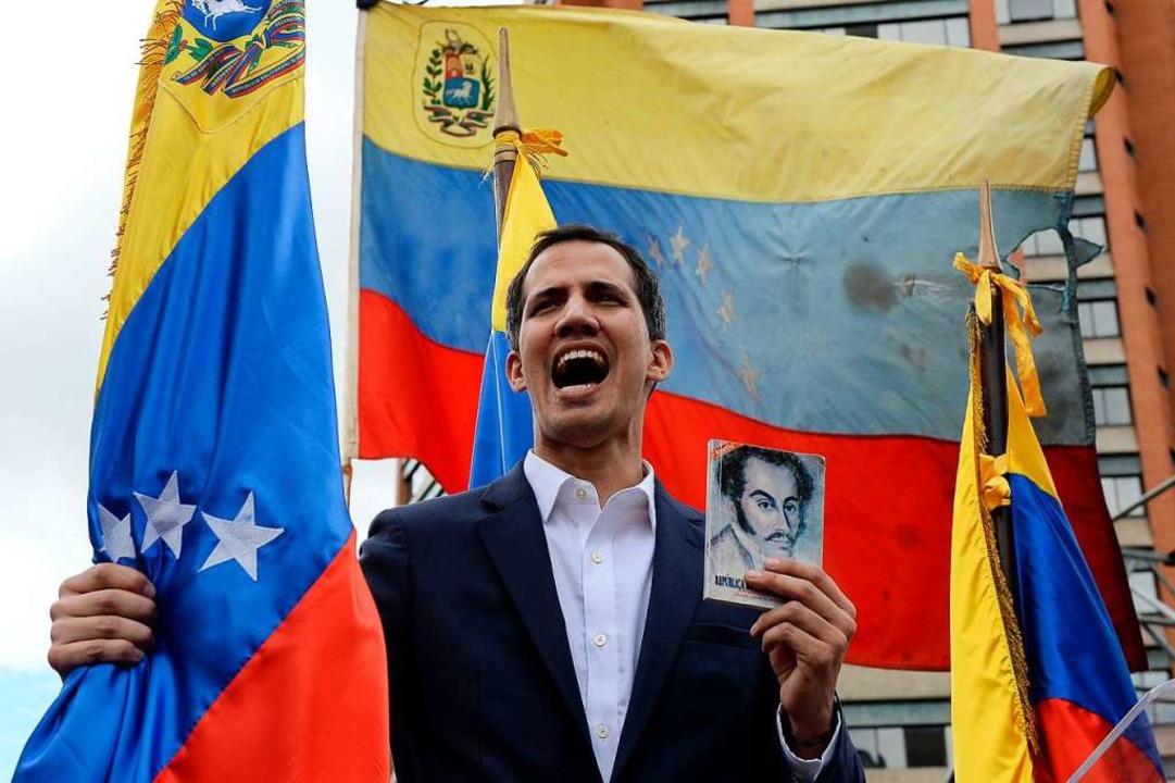 Juan Guaidó bei einer Kundgebung vor Anhängern in der Hauptstadt Caracas  | Foto: AFP