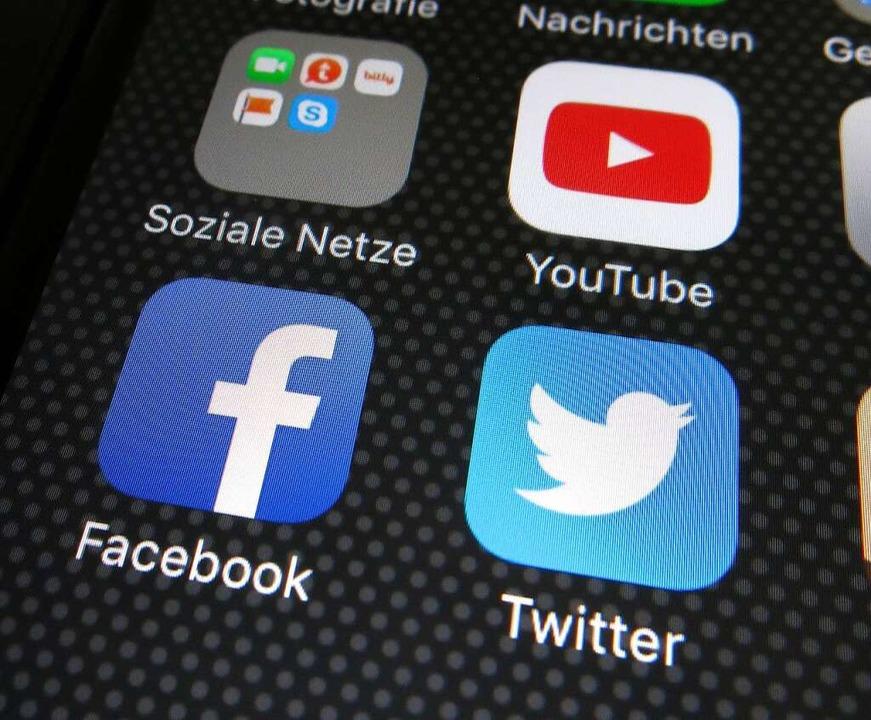 Wer was auf den verschiedenen Plattfor...posten darf, soll neu geregelt werden.  | Foto: dpa