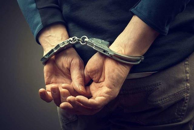 Polizei verhaftet zwei Dealer aus einer