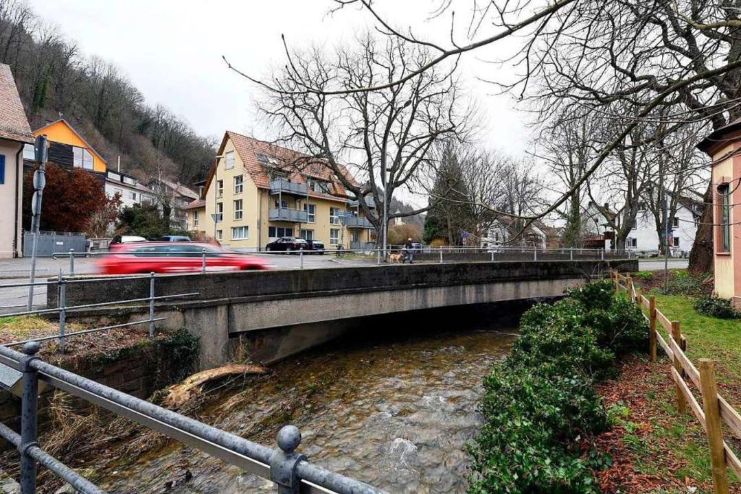 Die Eschbachbrücke soll ab Mai ersetzt werden.    Foto: Thomas Kunz