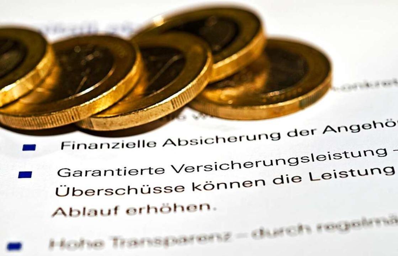 Ein Versicherungsvertreter riet dem Ma...ßen, welche im Jahr 2030 fällig würde.  | Foto: Jens_Schierenbeck (dpa)