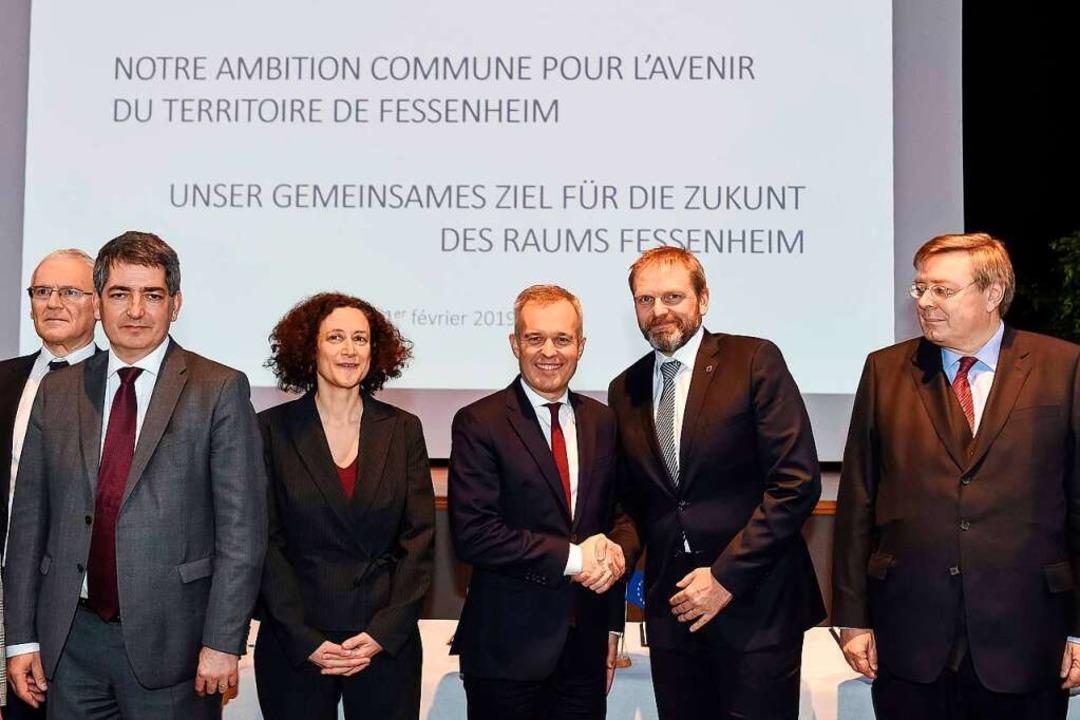 Der französische Umweltminister Franco...g mit Staatssekretär  Volker Ratzmann   | Foto: AFP