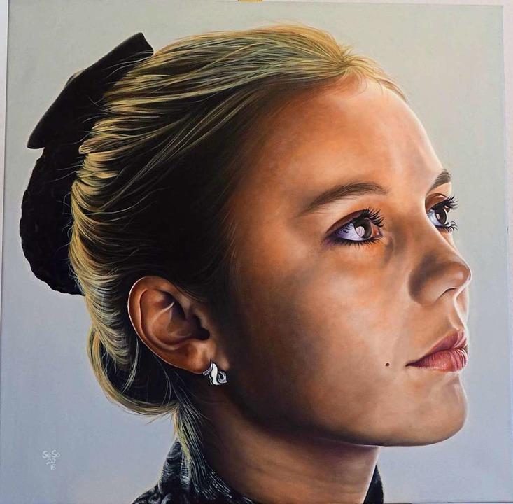 """Das Porträt """"Tanja"""" von Se...sten Besucherstimmen beim Grand Salon.    Foto: Roswitha Frey"""
