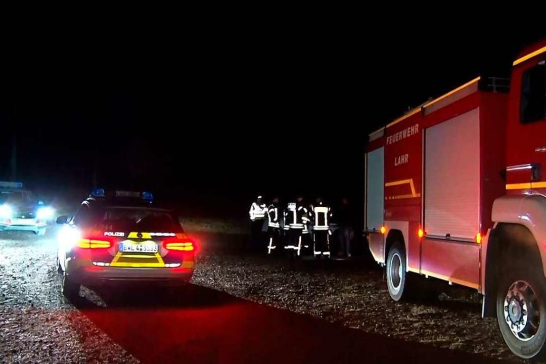 Feuerwehr und Polizei im Einsatz  | Foto: Wolfgang Künstle
