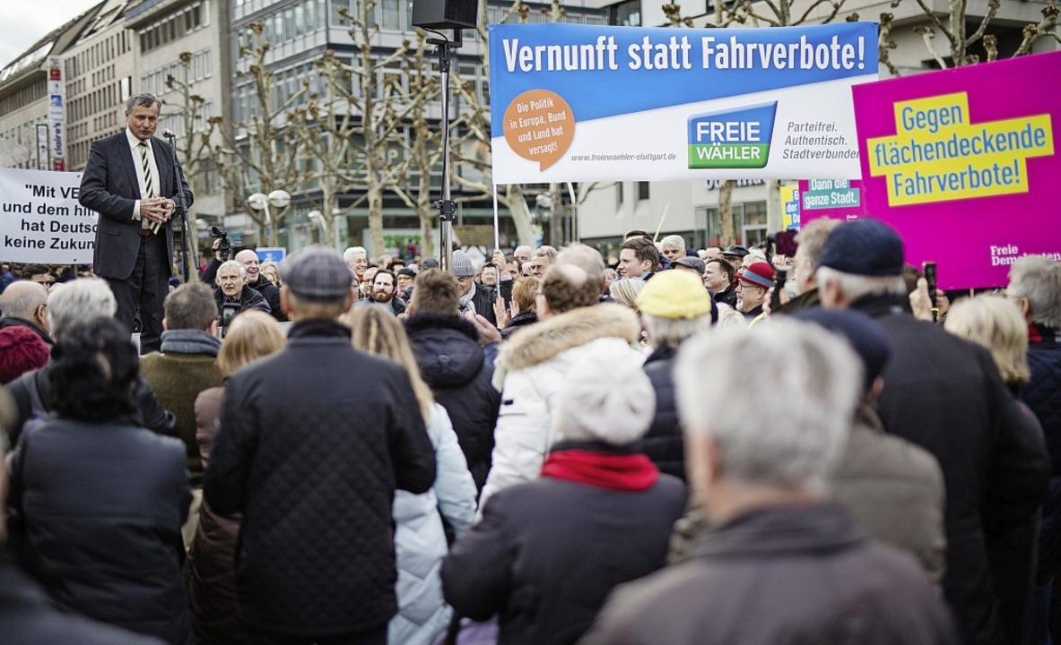 Die Chance für die Opposition: Hans-Ul...bots auf dem Stuttgarter Schlossplatz.