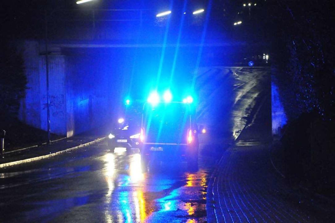 Die Feuerwehr war am Sonntagabend auch...drohte kurzzeitig eine Überschwemmung.    Foto: Nicolai Kapitz