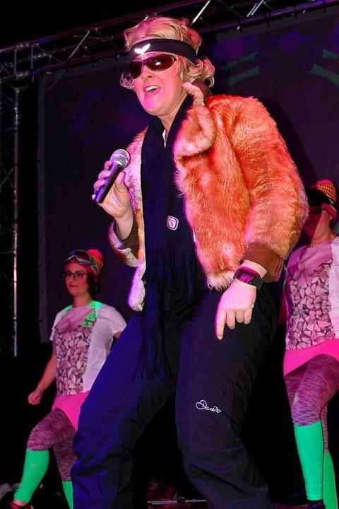 Die Dance Company wusste   beim Öfling...ansi-Hinterseer-Parodie zu begeistern.  | Foto: Hrvoje Miloslavic