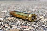 Toter bei Schießübungen – Polizei sucht Waffenhändler