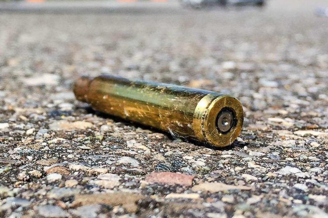 Woher stammten Waffe und Munition? (Symbolbild)  | Foto: dpa