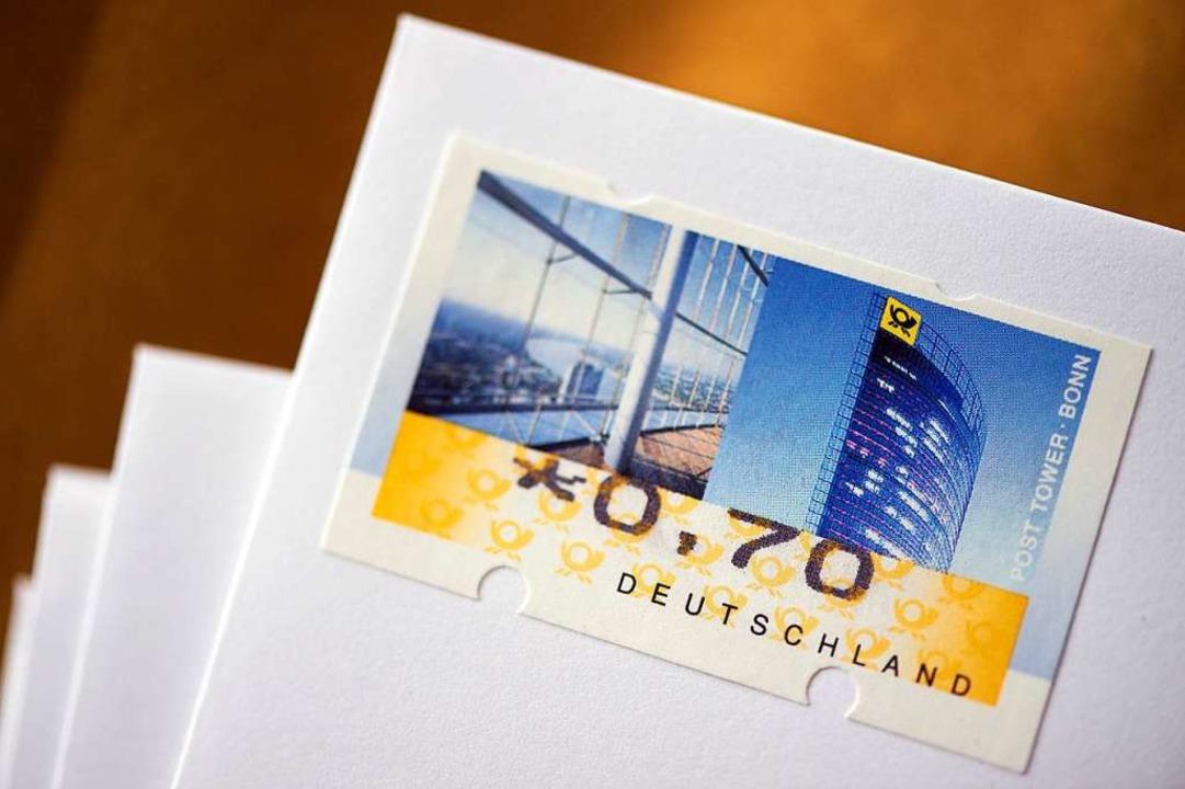 Noch kostet die Briefmarke 70 Cent  | Foto: dpa