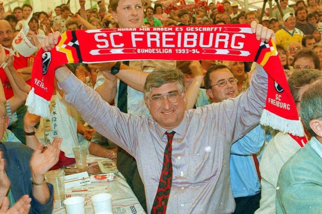 Böhme bei der Aufstiegsfeier des SC Freiburg 1993.  | Foto: Michael Heuberger
