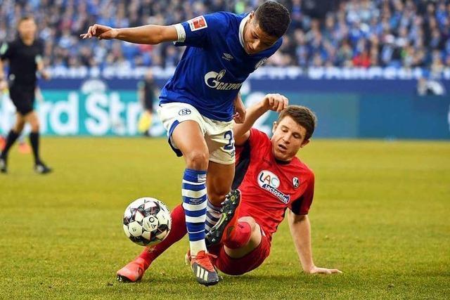 Fotos: Schiedsrichter steht im Mittelpunkt bei Freiburgs 0:0 auf Schalke