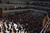 """Erleben Sie Teodor Currentzis und Cecilia Bartoli bei einer BZ-Leserfahrt zur Mozart-Oper """"Così fan tutte"""" beim Lucerne Festival!"""