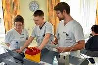 Pflegeschüler an der Uniklinik übernehmen Station
