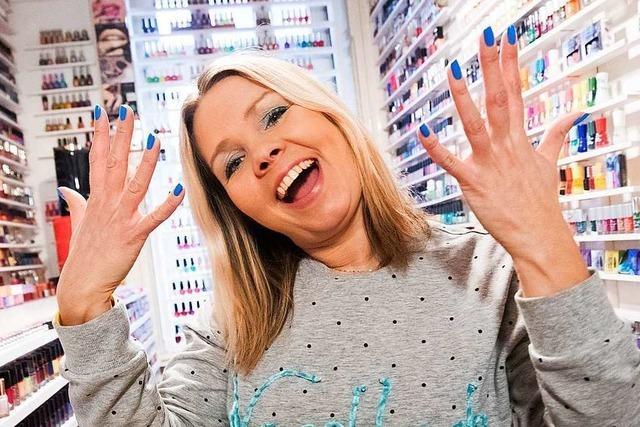 Diese Hamburgerin hat mit mehr als 11 000 Fläschchen die größte Nagellacksammlung der Welt